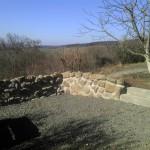Natursteinmauer aus Feldsteinen